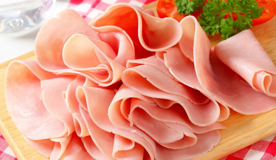 Le differenze tra prosciutto di vitello e prosciutto cotto