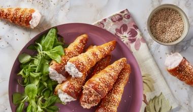 Conetti con mousse di prosciutto e pomodori secchi